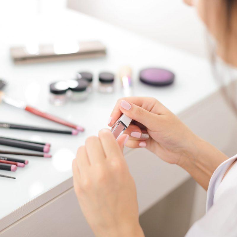 lipstick-4743984